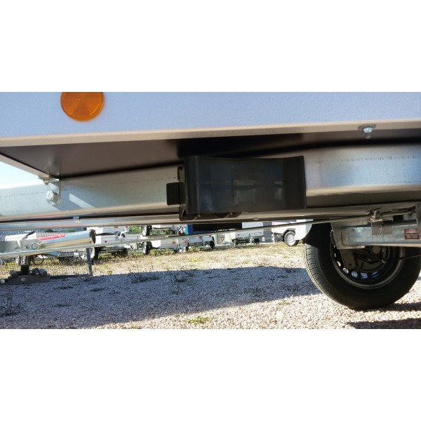 Carrello auto un asse con pianale di carico for Un aggiunta di un box auto