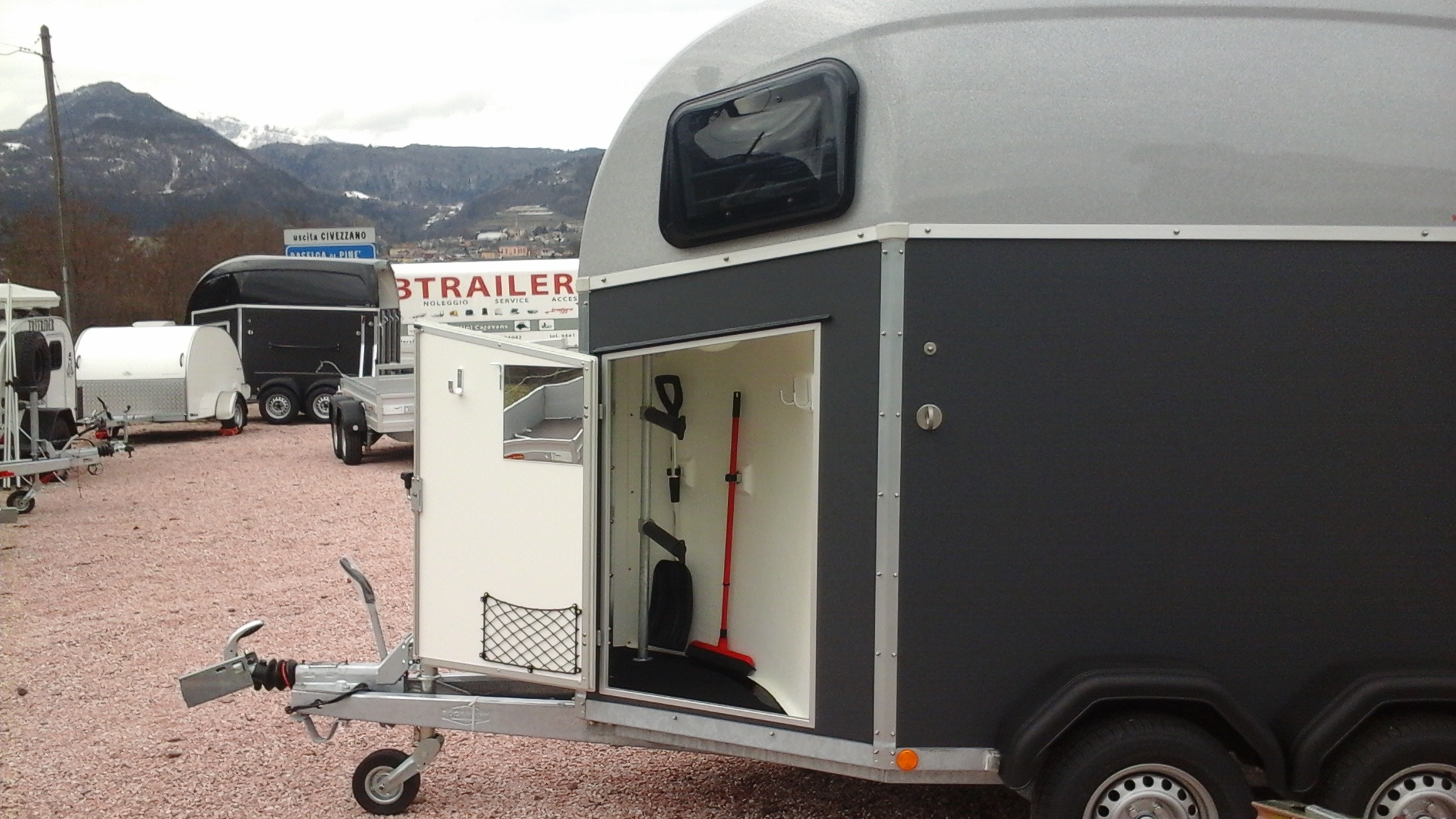 Gbtrailershop Offerta trailer cavalli con selleriaPromozioni e Occa...